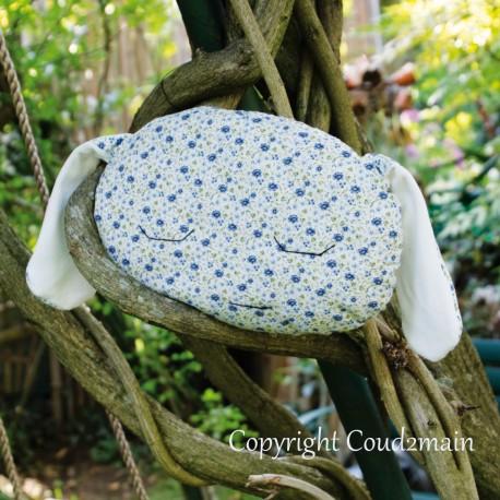 Kit couture écolo coussin lapin Toudou - tissu petites fleurs bleues inspiration Liberty